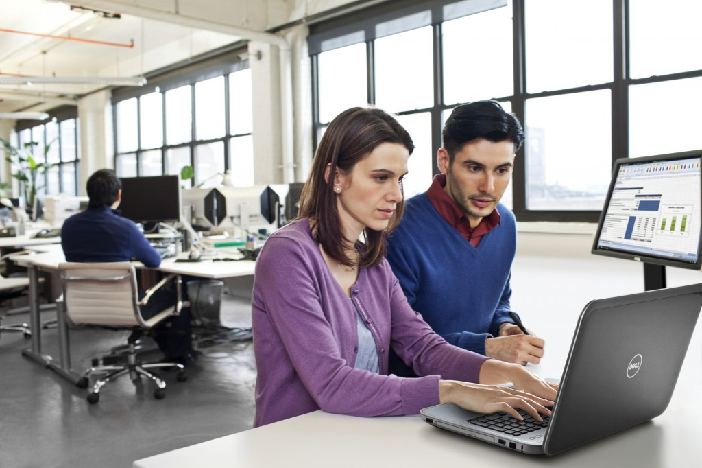 Business Associates Working Together on Inspiron 17R